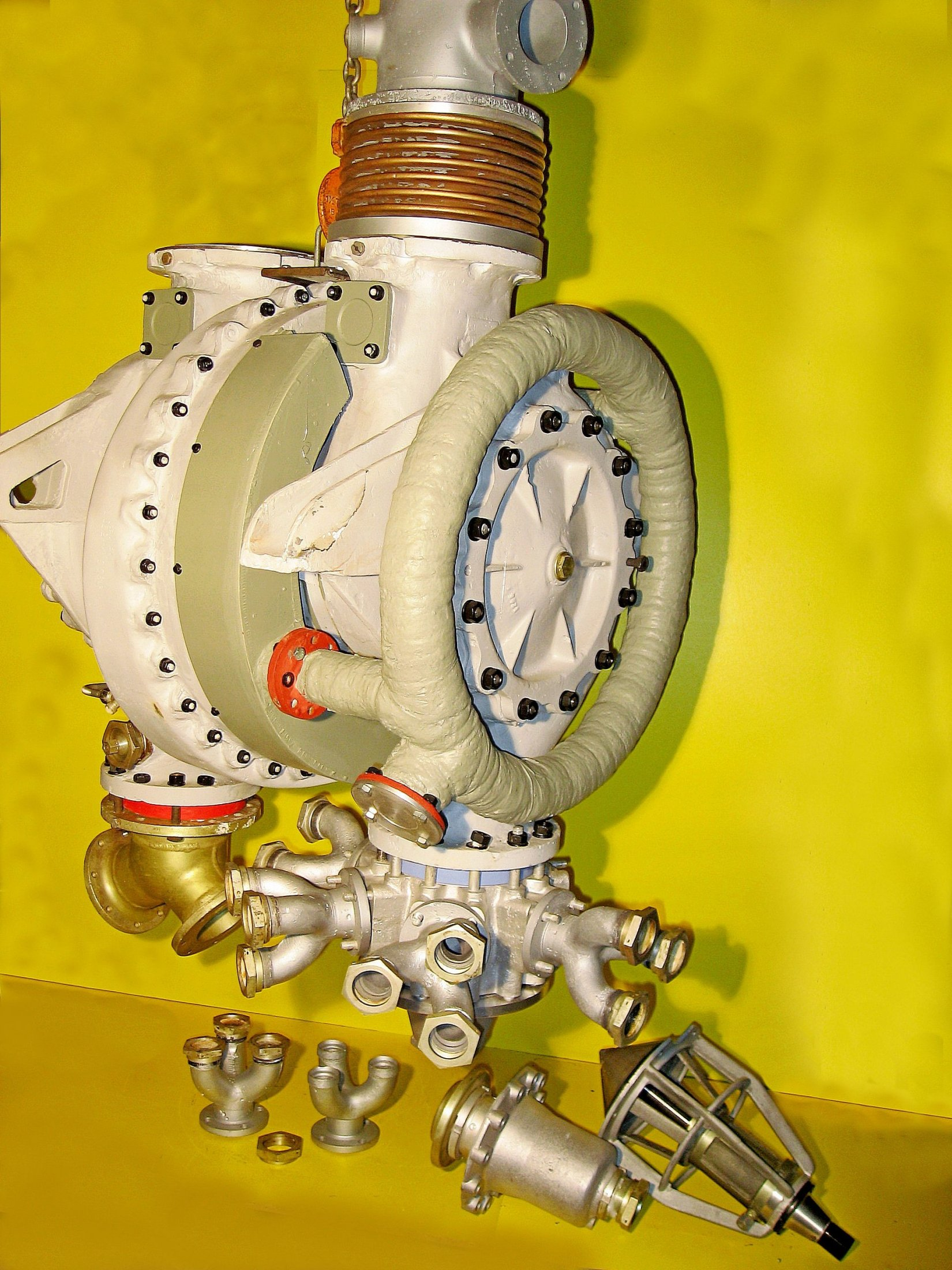 A4-V2 Turbo-pump showing LOX outlet manifold. ©THBC
