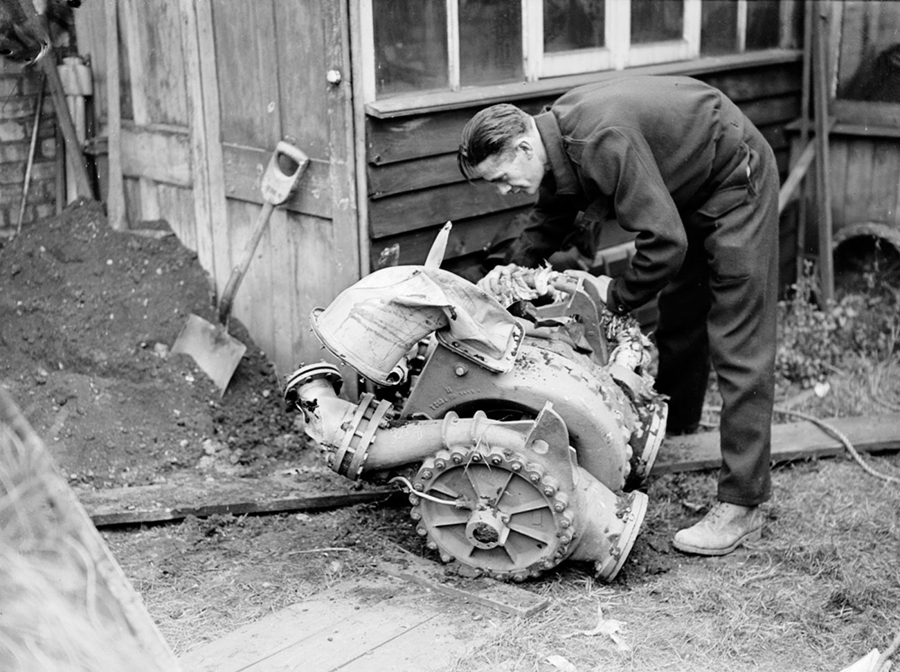 V2 turbo-pump wreckage East Ham, 17th Sept -1944