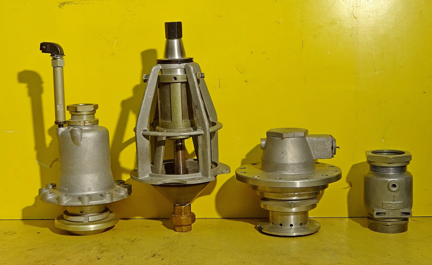 Main valves fuel and LOX