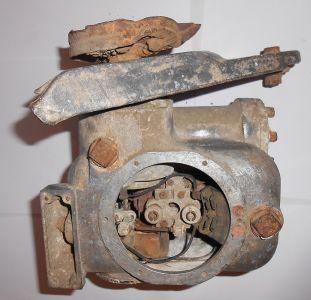 V2 jet vane hydraulic servo wreckage